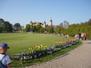 In Schwerin öffnete die Bundesgartenschau in märchenhafter Kulisse ihre Pforten.