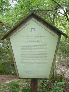 Bei Pennewitt befindet sich ein steinzeitliches Großsteingrab.