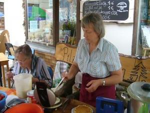 Pilzberaterin Irena Dombrowa sorgte wieder liebevoll für das leibliche wohl.