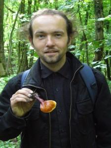 Sandro Feistkorn ist glücklich. Einen solchen Fund macht man nicht jeden Tag. Einen Glänzenden Lackporling (Ganoderma lucidum).In der asiatischen Naturheilkunde so atwas wie ein Wundermittel. So wertvoll wie ein Hauptgewinn im Lotto!