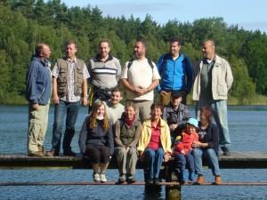 Gruppenfoto nach der Begrüßung am Roten See. 29.08.2009