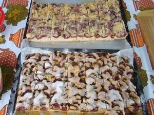 Es gab den Kuchen der Saison: hausgemachten Pflaumenkuchen.