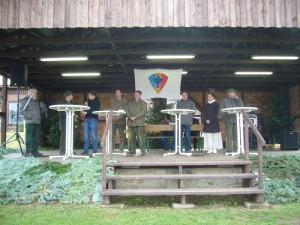 Auf der Bühne wurde kräftig in das Jagdhorn geblasen und es war viel wissenswertes über die verschiedenen Jagdtechniken zu erfahren.