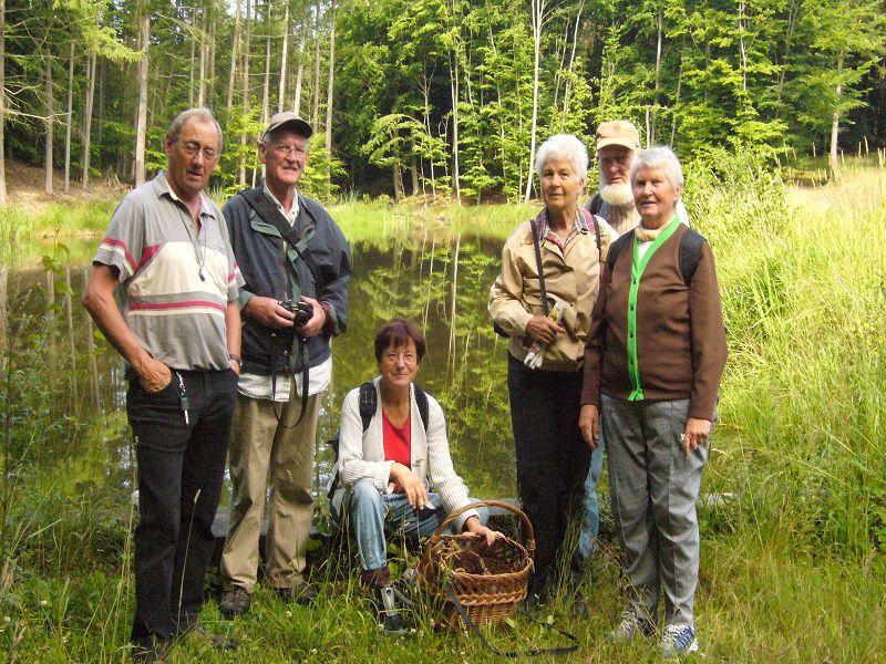 Vereinexkursion durch die Trechower Holzung am 13. Juli 2008. U. Bardet zweiter von rechts, neben Klaus Warning.