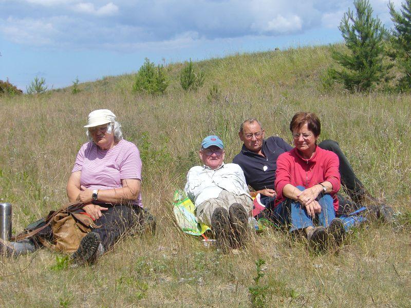 Nach der Exkursion am Farpener Stausee am 06. Juni 2009. Auf dem Bild von rechts: Liselotte Strehrath, Ulrich Bardet, Klais Warning und Erika Wittenhagen.