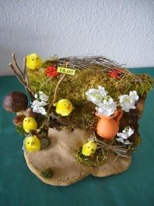 Ostergesteck mit Vase auf Echten Zunderschwamm zu 15.00 €.