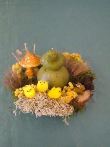 Kleines Ostergesteck mit grüner Duftkerze für 8.00 €.