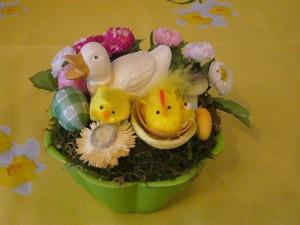 Osterschälchen mit Ente und Küken zu 5.00 €.