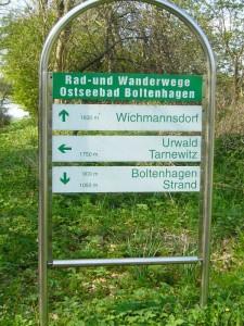 Das Gebiet liegt unmittelbar am Urlauberort Boltenhagen. Vorbildliche Ausschilderung der Wanderwege!