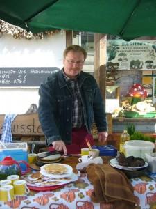 Vielen Dank auch wieder an Pilzfreund Thomas Harm für seine hilfsbereite Unterstützung. 02. Mai 2010.