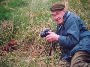 Glücklich über seine ersten Frühjahrslorchen in freier Natur im Kaarzer Holz am 25. April 2001.