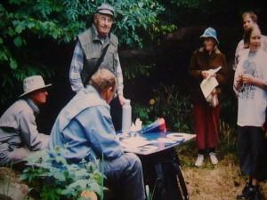 Rast auf einer Pilzwanderung durch den großherzoglichen Forst Moidentin am09. Juni 2001.