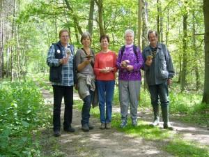 Und das war die kleine Wandertruppe von heute. Von links: Reinhold Krakow, Regina Groß, Erika Wittenhagen, Helga Köster und Hans - Jürgen Wilsch. 29. Mai 2010