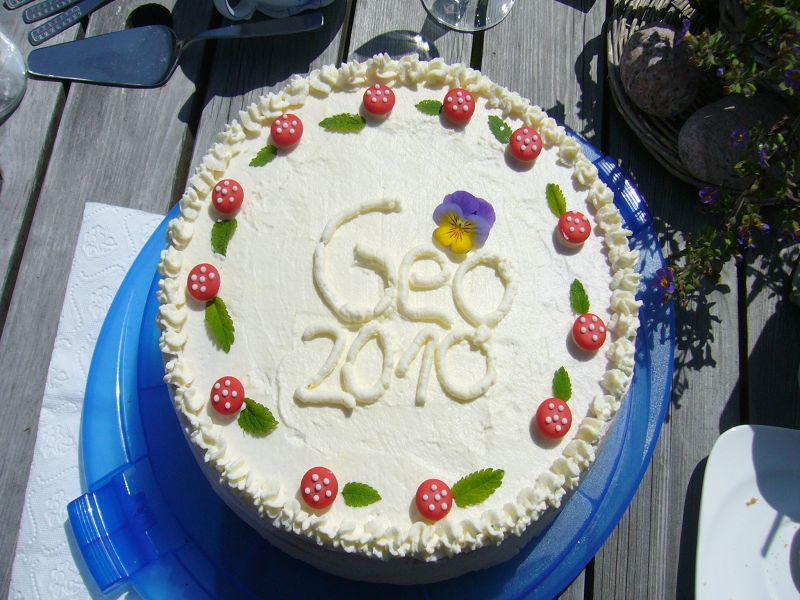 """Wunderbar fruchtig hat uns auch diese Geo - Torte gemundet, die eine der """"Pilzfrauen"""" zauberte!"""