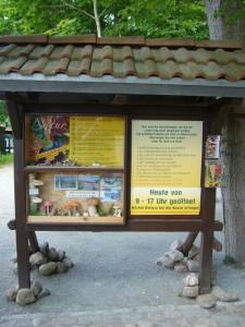 Das Pilzmuseum und all die anderen Sehenswürdigkeiten können hier in der Saison täglich von 09.00 - 17.00 Uhr besichtigt werden.