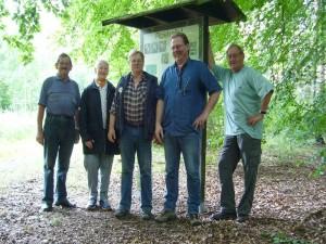 Zum Schluß wie immer noch ein Gruppenfoto aller Teilnehmen, leider heute nur, wie man sieht, 4 Pilzfreude aus Wismar und einer aus Bützow.