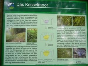 Der Sültener Forst gehört zum Naturpark Sternberger Seenland. Immer wieder begegnet man hier an besonderen Stellen sehr informative und ansprechende Schautafeln, die viel wissenswertes zu einzelnen Biotopen oder zur Forstwirtschaft im allgemeinen vermitteln.