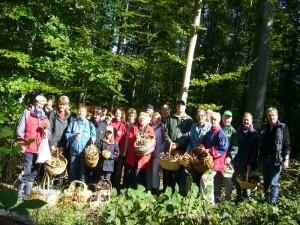 Zum Schluß waren die meisten Körber mehr als voll und die meisten haben auch neue, gute Speisepilze kennen gelernt, die es gilt, bei der nächsten Pilzsuche, auch ohne fachmännische Begleitung wieder zu Erkennen. 18. September 2010 im Züsower Forst.