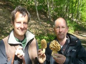 Mit solch tollen Morchelfunden endete heute der Monat der 2011er Pilzsaison. Trotz der Trockenheit gab es ab dem Osterwochenende zahreiche Speisemorcheln