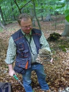 Ja, der war den kleinen Arbeitsgang schon wert. Was macht man nicht alles um unsere Pilzausstellung zu bereichern. Danke Thomas! 25.06.2011.