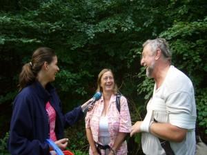 Martina Scheller von NDR 1 - Radio M-V befragt Dorothee und Günter Meißner aus der Nähe von Hamburg