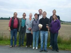 8 Pilzfreunde wanderten heute Abend zu unserer traditionellen Abendwanderung von Kluß über Rosenthal bis nach Triwalk bei Wismar.