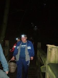 Inzwischen ist die Dunkelheit über uns ganz herreingebrochen und wir überqueren die zwete Brücke des Radebachs.