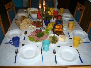 Bestens und fürsorglich bewirtet wurden wir auch dieses mal wieder von unserer guten Seele Irena Dombrowa. Ob Frühstück, Mittag oder Abendbrot, der Tisch war für uns immer reichhaltig und Geschmackvoll eingedeckt. Herzlichen Dank und guten Appetit!