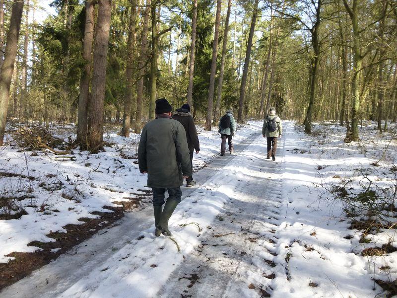Wo es teilweise noch richtig winterlich war. Vorsichtig gehen ist hier angesagt, denn es kann rutschig sein!