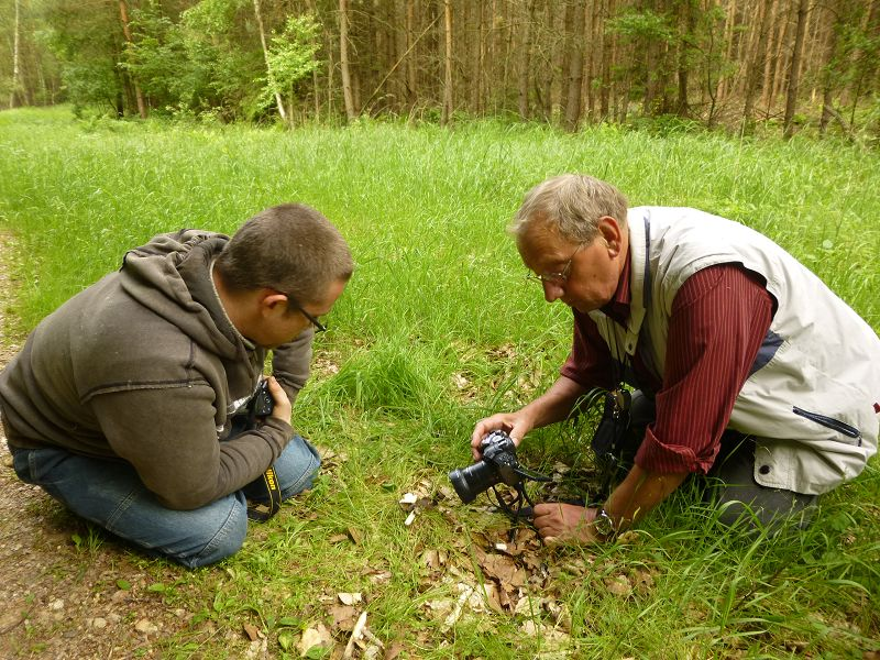 Geduld und eine ruhige Hand sind gefragt, um möglichst gute Aufnahmen zu erzielen. Andreas Okrent und Klaus Waring bei der Arbeit!