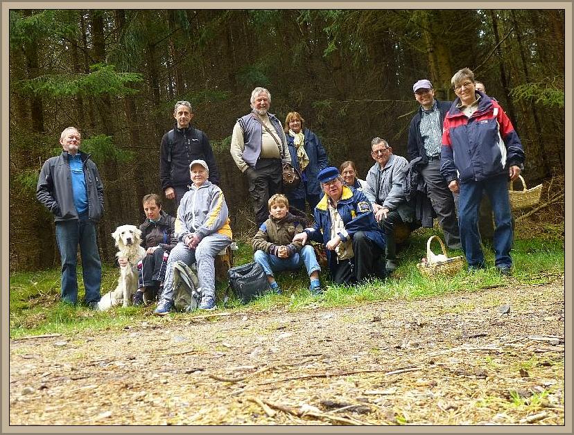 Kurz vor Schluß entstand unser traditionelles Abschlussfoto. Kaarzer Holz am 19.04.2014.