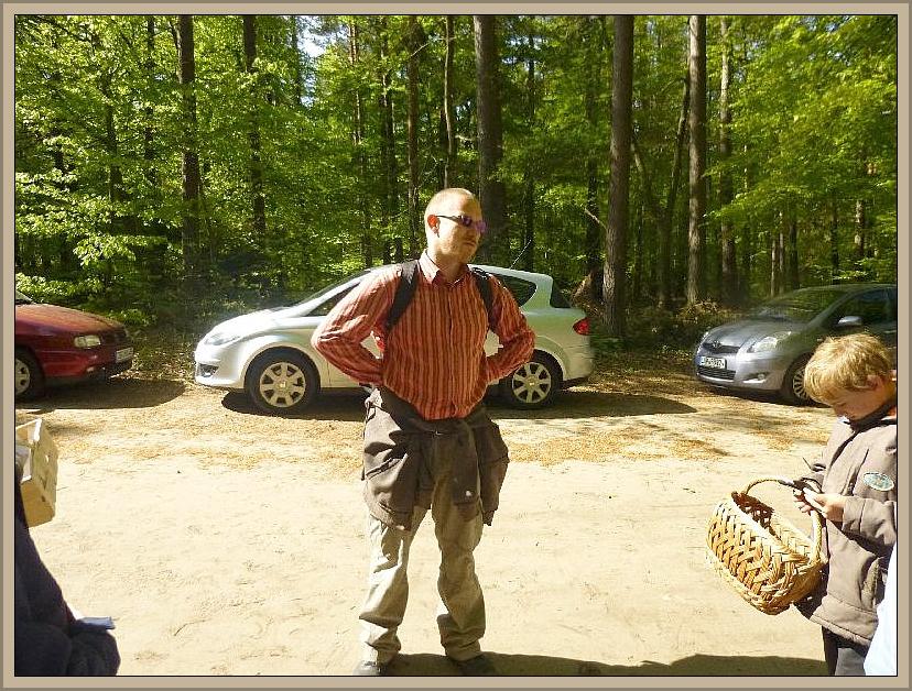 Als alle eingetroffen waren, übernahm Andreas die Regie und gab eine kleine Einführung in die heutige Exkursionsrunde.