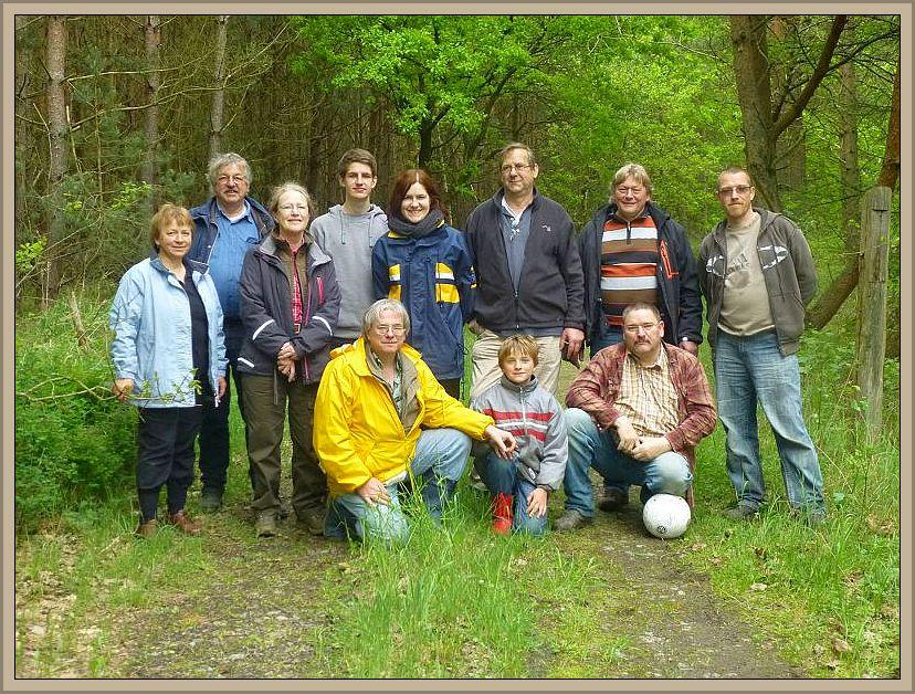 Zur Erinnerung an ein schönes und hoffentlich auch lehrreiches Frühlingswochenende in Mecklenburg zum Thema Pilze versammelten wir uns anschließend noch einmal