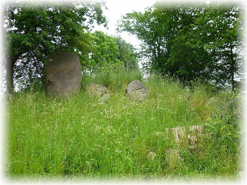 Bald tauchte schon das erste steinzeitliche Hügelgrab auf.