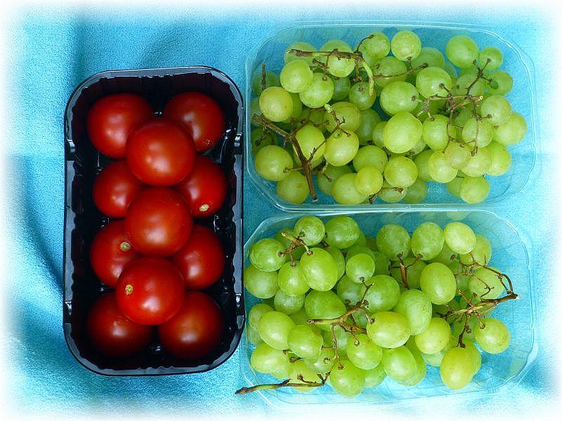 Und dann endlich wieder bei den Autos. Hier verwöhnte uns Irena mit erfrischenden Tomaten und Weintrauben.