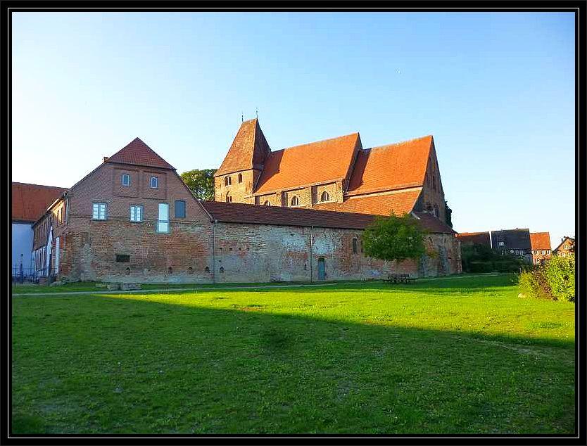Die alterhrwürdige Klosteranlage zu Rehna ist am ersten Oktoberwochenende wieder Schauplatz einer der umfangreichsten Frischpilzausstellungen Norddeutschlands.