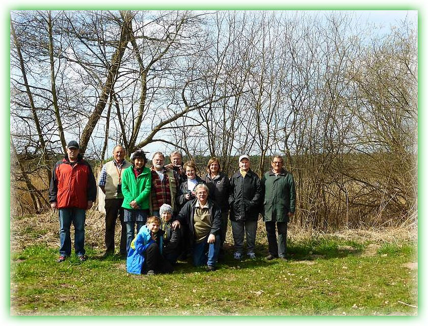 Unser Abschlußfoto. 12 Pilzfreunde waren heute auf Tour im Wald bei Alt Schlagsdorf.