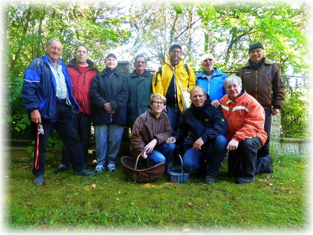 Unser Abschlußfoto. Mit 10 Leuten waren wir heute eine überschaubare und gemütliche Truppe. Hasenwinkel am 30. Mai 2015.