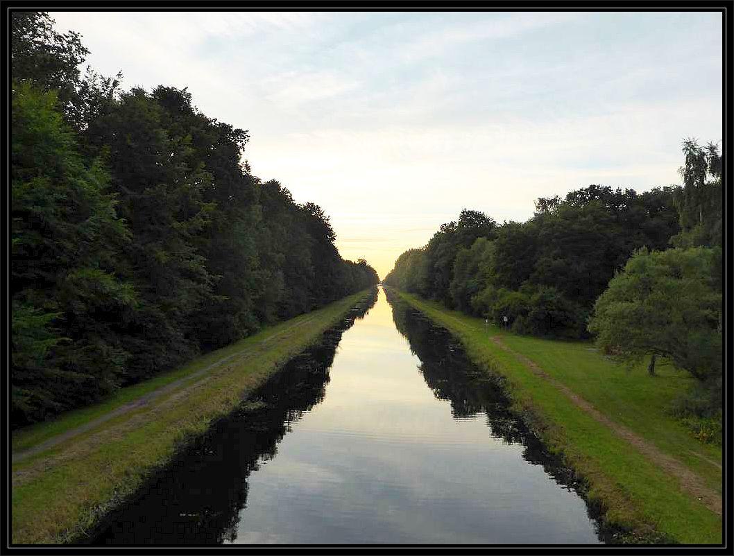 Der Störkanal in Blickrichtung Banzkow von der Garzer Brücke aus fotografiert.