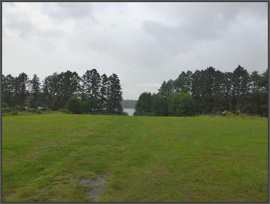 Grau, regnerisch und herbstlich kühl präsentierte sich das Wetter am heutigen Sonntag. So hatten wir es wirklich nicht angedacht, als wir irgendwann im Frühjahr den heutigen Termin festlegten. Trotzdem habe ich mich über den Regen sehr gefreut, er kam nur zu einer ungünstigen Zeit.