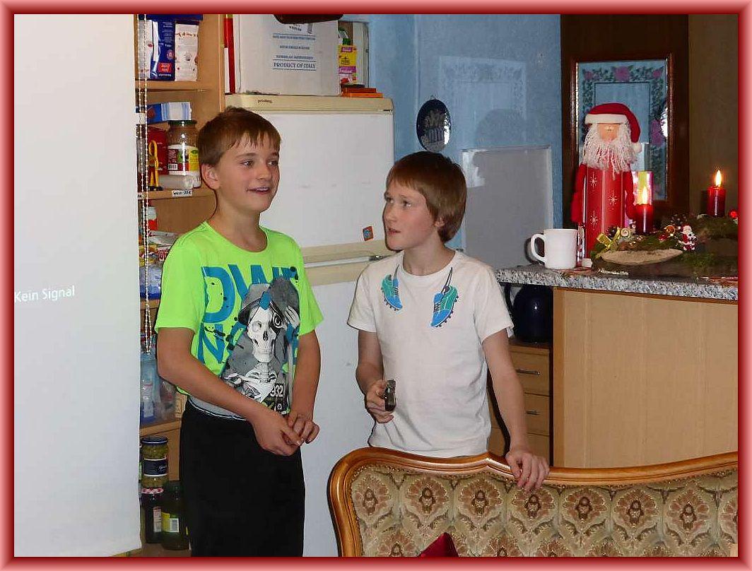 Für Auflockrung sorgten zwischendurch Jonas und Viktor. Sie führten uns einige Zaubertricks vor.