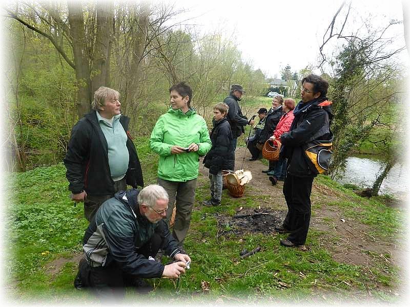 Fachsimpeln und Fototermin mit Morcheln im vergangenen Jahr im Hellbachtal.
