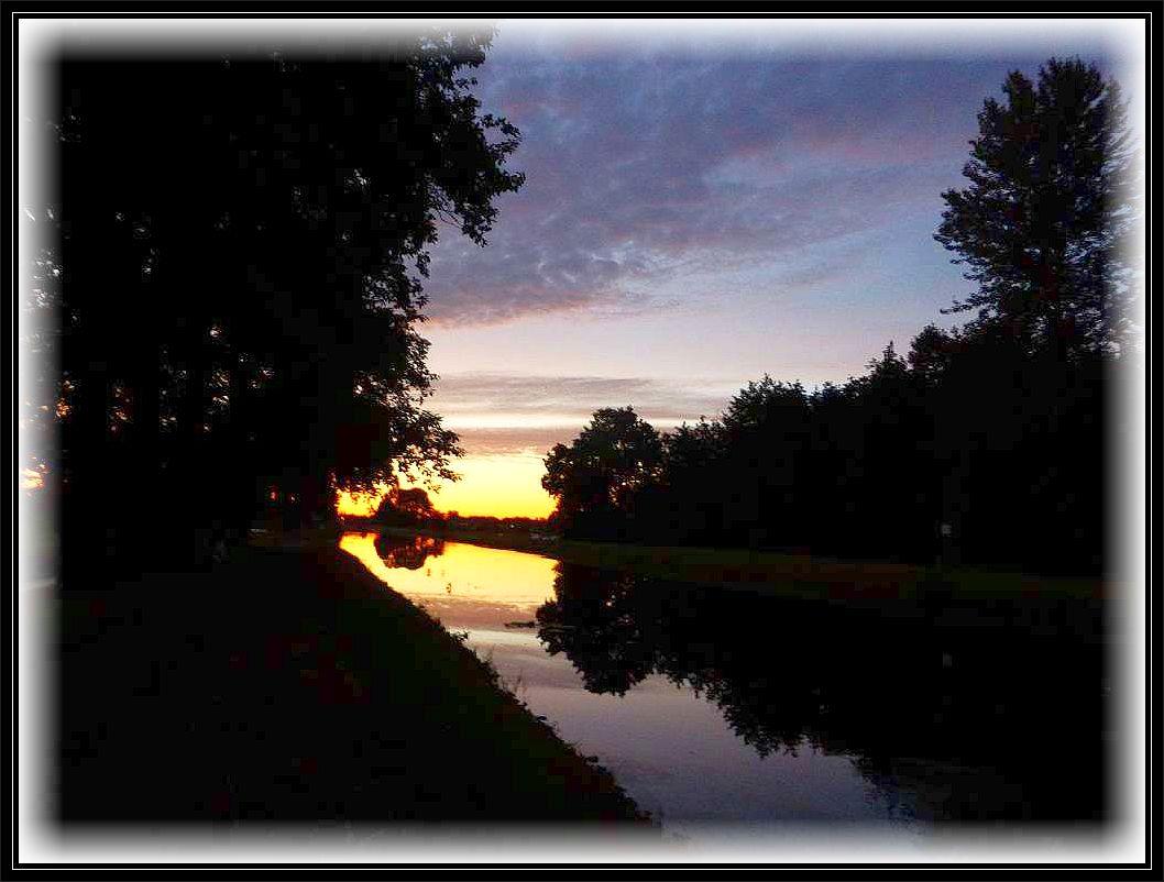 Sonnenuntergang im August 2015 am Störkanal bei Banzkow.