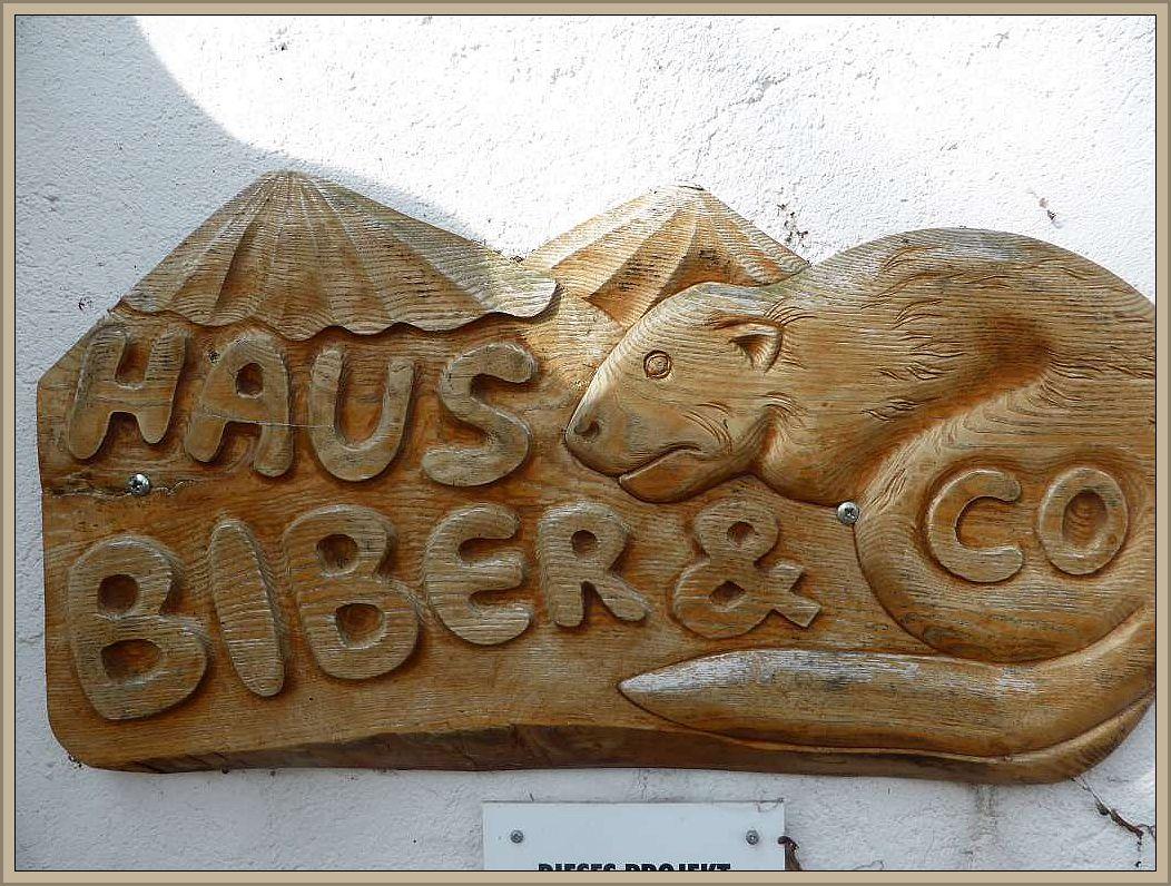 Vorbei an Haus Biber und Co., einer Einrichtung des NABU.