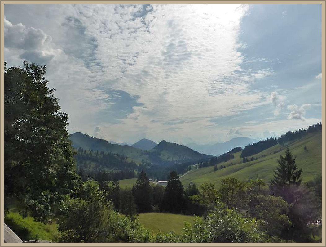 Dieser Teil der Alpen nennt sich Mangfallgebirge und ist Sommer wie Winter gleichermaßen reizvoll. Jetzt zum Wandern im Winter vor allem auch für Skifans.