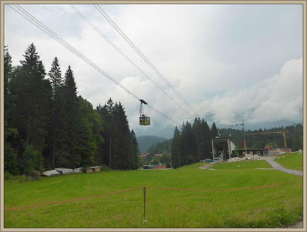 So fuhren Irena und Jonas mit der betagten Bahn hinnauf zum Gipfel, der leider in Wolken lasg hinnauf und ich schaute mit im Tal nach Pilzen um.