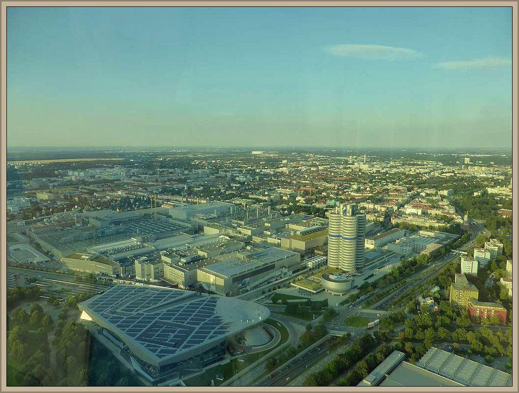 Die weitere Reise führte uns langsam wieder in Richtung Norden. Nantürlich nicht, ohne in der Bayerischen Landeshauptstadt nochmals einen kurzen Zwischenstopp einzulegen. Ziel war das Olympiagelände mit einem Besuch des Fernsehturms mit weitem Blick auf die Großstadt mit den BMW - Werken im Vordergrund.