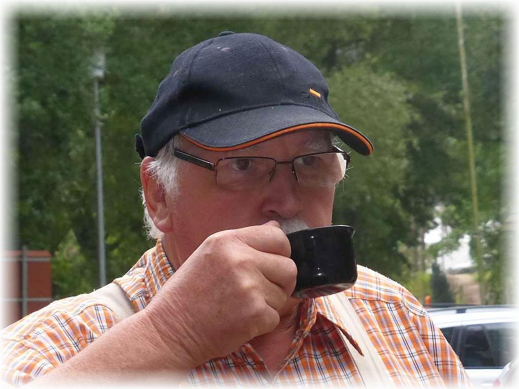 Ein würziger Kaffee tut an diesem trüben Septembermorgen richtig gut! Foto: Jonas Dombrowa