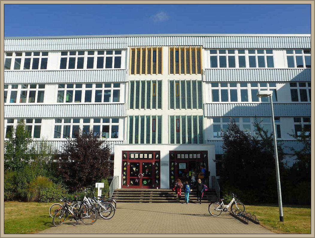 Kurz nach 08.00 Uhr starteten wir von der Regionalschule am Rietberg aus zu einer Runde durch den Forst Farpen bei Neuburg.