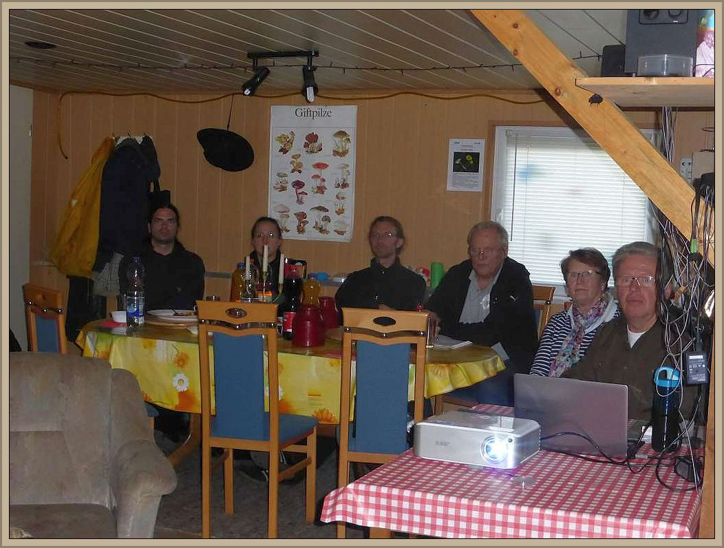Gespannt Lauschen die Teilnehmer den Ausführungen unseres Referenten Ulrich Klein, ganz rechts.